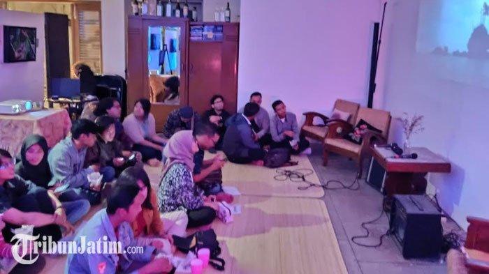 Komunitas Stikom Media Gelar Nobar 'Banda', Ajak Anak Muda Lebih Kenal Sejarah Lewat Film Dokumenter