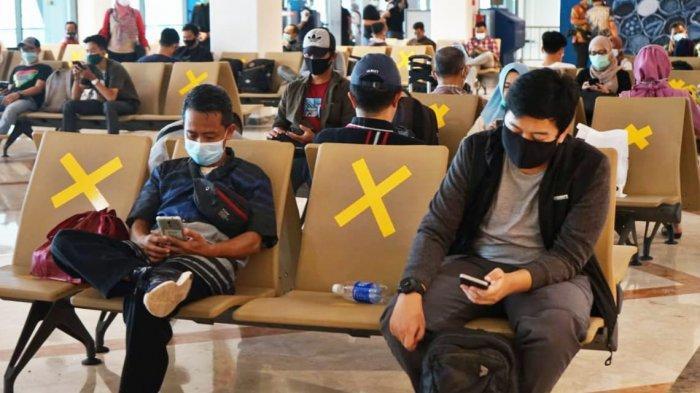Ilustrasi bandara - Tak main-main, pemerintah ancam deportasi turis asing bandel yang tidak pakai masker dan melanggar protokol kesehatan Covid-19.