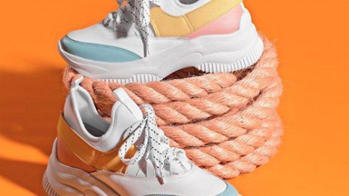 Sebelum Membeli 'Chunky Shoes' yang Lagi Hits, Pastikan Kamu Sudah Melakukan 4 Hal Ini!