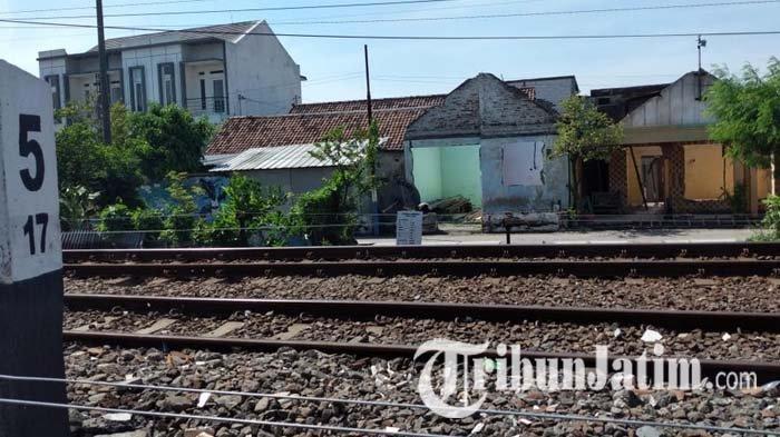Mayoritas Bangunan yang Dibebaskan untuk Frontage Road Sidoarjo Dibongkar Mandiri