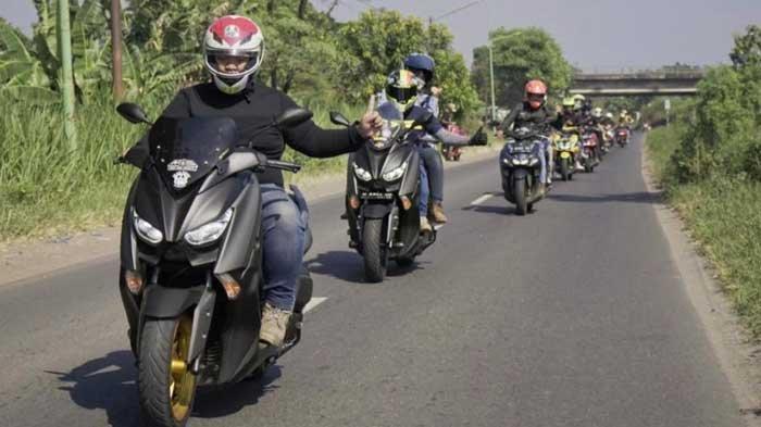 Dilengkapi Ruang Kaki yang Luas hingga Fitur TCS, Touring Naik Yamaha Nmax Dijamin Nyaman Maksimal!