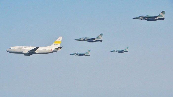 Tiba di Indonesia, Pesawat Boeing 737-400 TNI AU Pembawa Api Abadi Asian Games Dikawal Jet Tempur