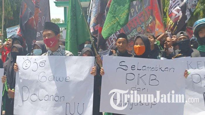 BREAKING NEWS: Kader Muda Nahdlatul Ulama Menggeruduk dan Menyegel Kantor DPC PKB Kabupaten Kediri