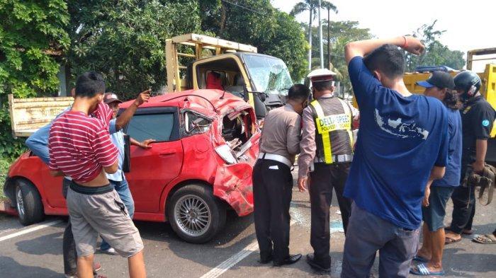 Kecelakaan Beruntun Enam Kendaraan di Krian Sidoarjo, Jalanan Macet Total