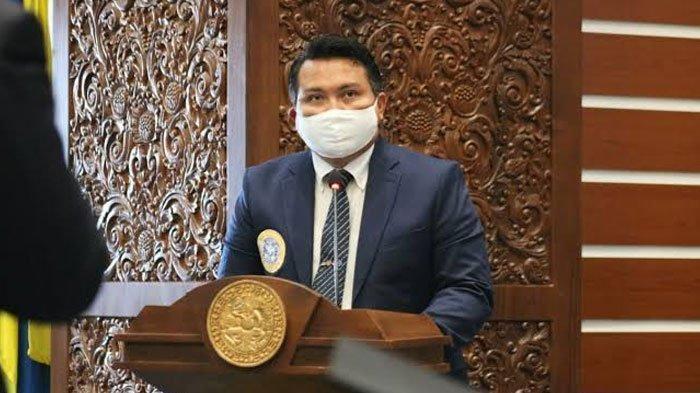 Pembekalan Wisudawan FEB Unair 2021, Sekretaris IKAFE Unair Ingatkan Pentingnya Adaptasi VUCA