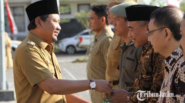 Bupati Pasuruan Irsyad Yusuf Wajibkan ASN Pakai Pin dan Songkok Selama Hari Jadi Kabupaten Pasuruan