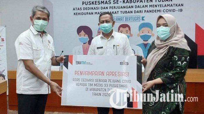 SIG Serahkan Bantuan untuk Tenaga Medis Rumah Sakit dan Puskesmas di Tuban, Total Rp 260 Juta