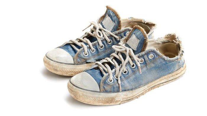 TREN FASHION - 5 Tanda Sepatu Kamu Sudah Bulluk dan Harus Siap-Siap untuk Menggantinya