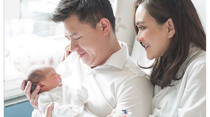 Anak Pertama Shandy Aulia Lahir, Jenis Kelamin Perempuan dan Diberi Nama Claire Herbowo