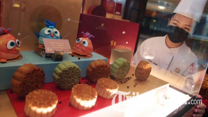 Mengenal Tradisi Makan Kue Bulan dan Minum Teh Masyarakat Tionghoa ala Shangri-La Hotel Surabaya