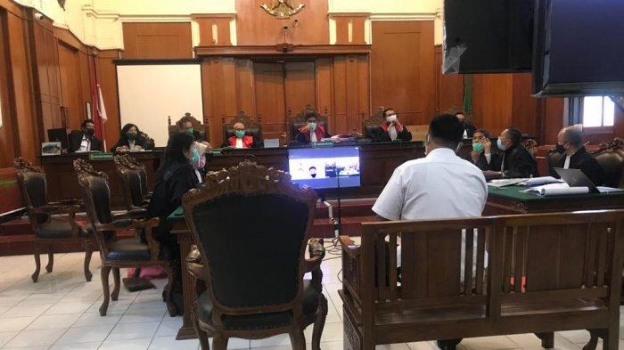 Jengkelnya Hakim PN Surabaya di Sidang Online MeMiles, Ada 'Suara Lain Masuk', Minta Terdakwa Hadir
