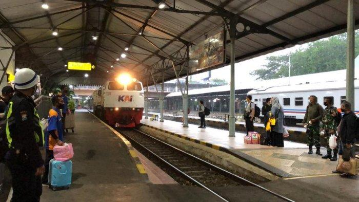 Dampak Banjir Ibu Kota, Perjalanan Kereta dari Surabaya dan Malang Tujuan Jakarta Batal Jalan Lagi