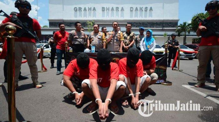 BREAKING NEWS - Sindikat Penggelapan Mobil Jaringan Surabaya-Madura Dibongkar, Tetangga Jadi Sasaran