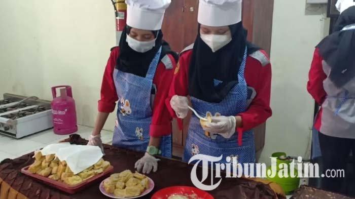 Guru dan Siswa SMK Model PGRI I Mejayan Madiun Berhasil Olah Porang Jadi Makanan Siap Santap