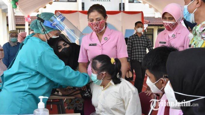 Hari Anak Nasional, Siswa SLB di Trenggalek Antusias Ikuti Vaksinasi Covid-19