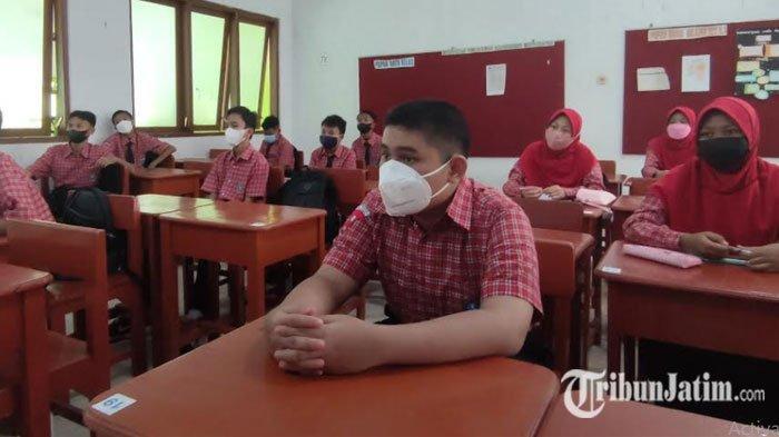 SMPN 1 Kota Probolinggo Gelar PTM Terbatas, Siswa: Senang Bisa Bertemu Guru dan Teman