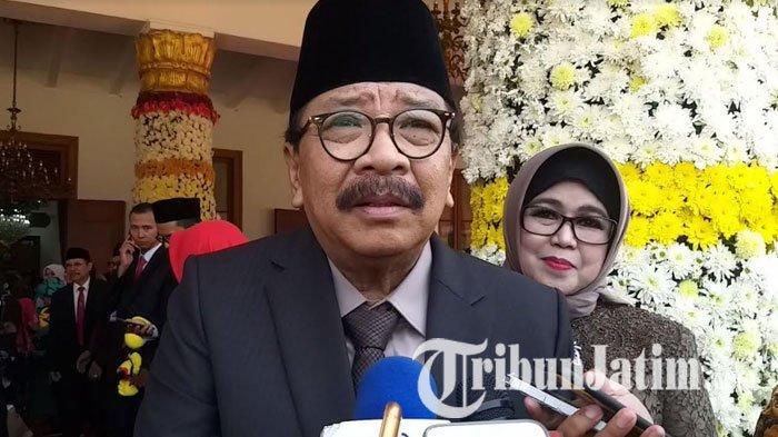 VIDEO: Hadiri Peringatan Hari Jadi Jatim ke-74, Pakde Karwo Puji Khofifah yang Rajin ke Grassroots