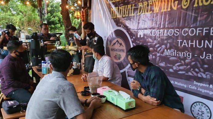 Gelar Sosialisasi Bisnis Kopi, Tim Dosen UMM Dorong Mitra Bertahan di Tengah Pandemi