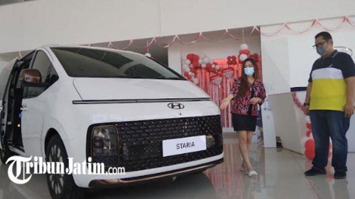 Eksterior 'Staria' Jagoan Anyar Hyundai Terinspirasi Pesawat Luar Angkasa, Segini Harganya