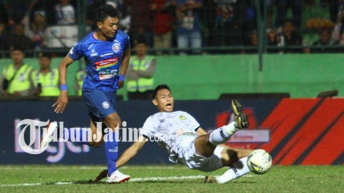 Update Terbaru Kondisi Striker dan Bek Andalan Arema FC Jelang Laga Lawan Borneo FC