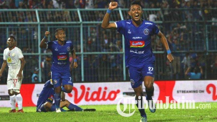 UPDATE Kondisi Terbaru Striker Arema FC Dedik Setiawan Pasca Sebulan Operasi Ligamen Lutut Kanan