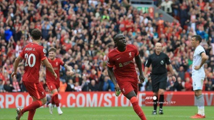 TERPOPULER BOLA: Liverpool Menggila di Anfield hingga Pertarungan Jomplang Bianconeri dan Rossoneri