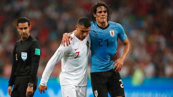 Cristiano Ronaldo Papah Edinson Cavani yang Cedera, Penonton Riuh Bertepuk Tangan