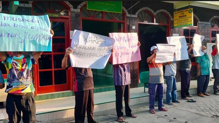 Keluhkan Musala Beralih Fungsi Jadi Masjid, Warga Gubeng Klingsingan Surabaya Gelar Aksi
