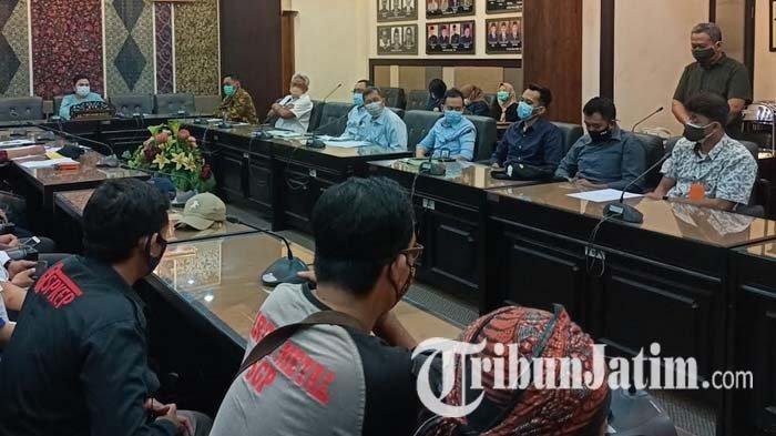 Buruh Wadul ke Dewan Tentang THR, DPRD Jatim Pastikan Tampung Aspirasi Para Pekerja