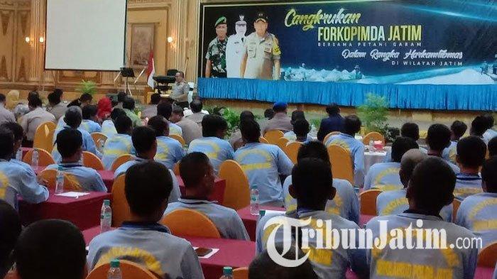 Gubernur Jawa Timur Siapkan Hilirisasi Industri Garam dan Geomembran untuk Petani Garam Madura