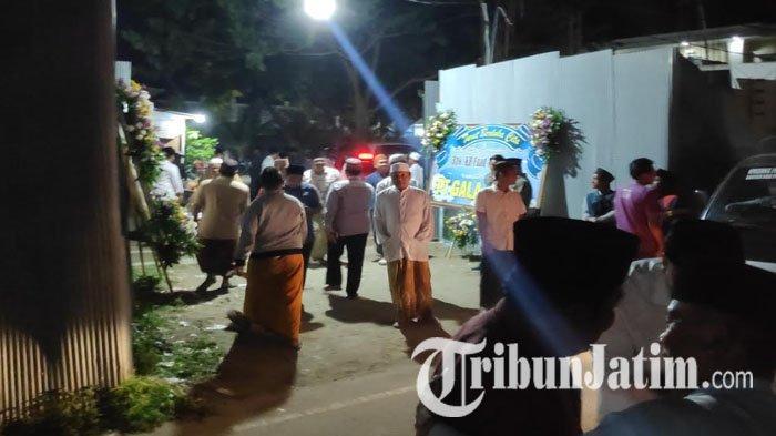 Suasana Kini Pasca Jenazah Fuad Amin Dipulangkan, Warga Bangkalan Padati Rumah Duka Untuk Takziyah