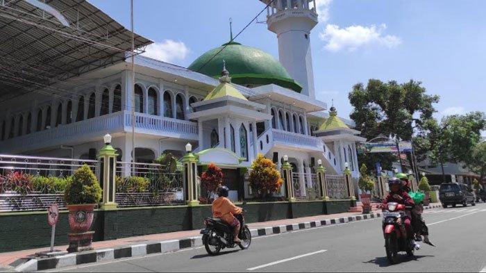 Larang Takbir Keliling, Pemkot Blitar Perbolehkan Masyarakat Salat Idul Fitri di Masjid