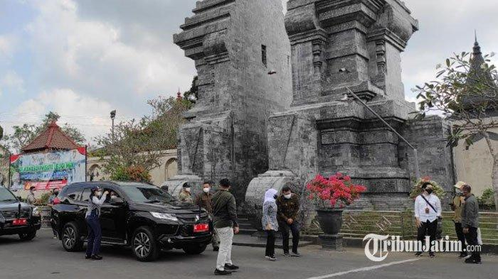 Kunjungan Kerja ke Kota Blitar, Menko PMK Muhadjir Effendy Ziarah ke Makam Bung Karno