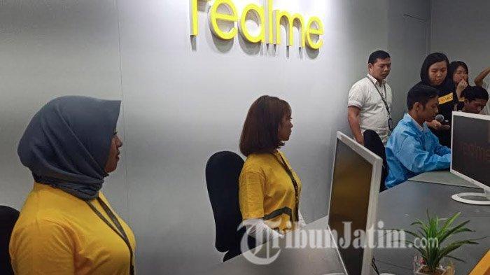 Service Center Store Realme Resmi Dibuka Di Wtc Surabaya Ada Layanan Service Sehari Beres Tribun Jatim