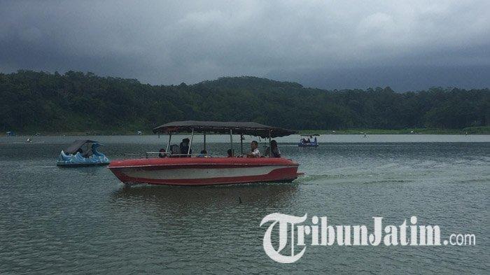 Harga Tiket Masuk Ranu Klakah, Wisata Danau Lumajang, Cocok Buat Lepas Penat Sambil Makan Ikan Bakar