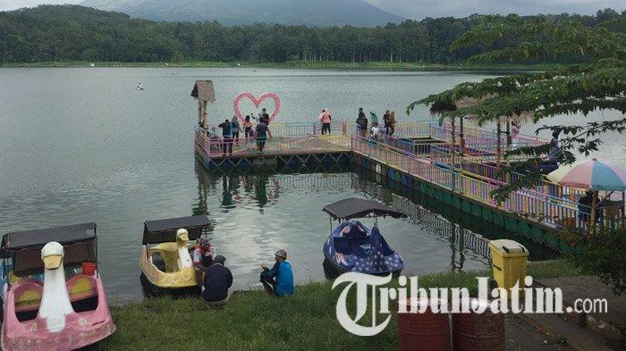Ranu Klakah Lumajang, Danau Berlatar Belakang Gunung Lemongan, Ikan Bakar Jadi Santapan Primadona