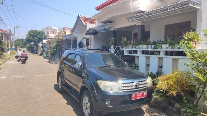 Rumah Kepala DPMPTSP Kabupaten Probolinggo Didatangi KPK, Mobil Dinas Ikutan Digeledah