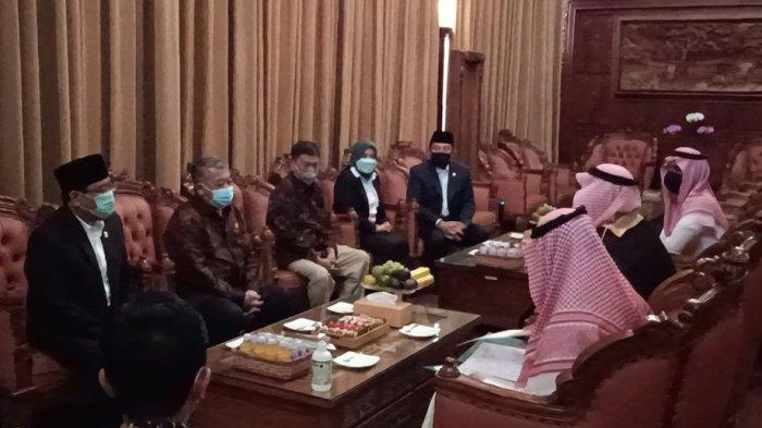 DPRD Jatim Terima Rombongan Kedubes Arab Saudi, Sampaikan Masyarakat Rindu Ke Tanah Suci
