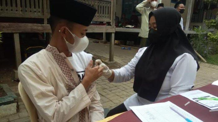 Polres Sampang Targetkan Vaksinasi Merata di Semua Pondok Pesantren