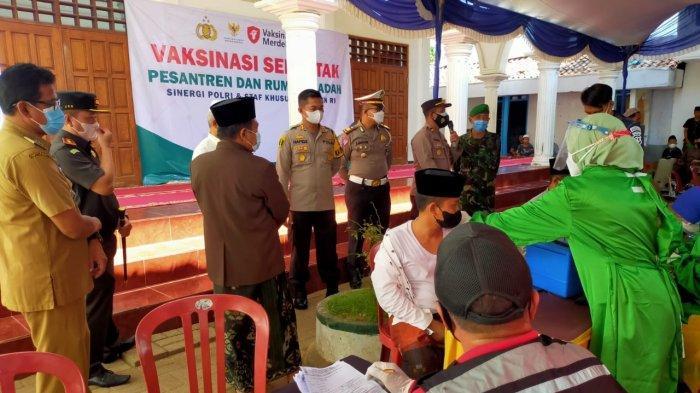 Ponpes di Madura Gelar Video Conference dengan Jokowi, Target 1.500 Santri di Sampang Tervaksin