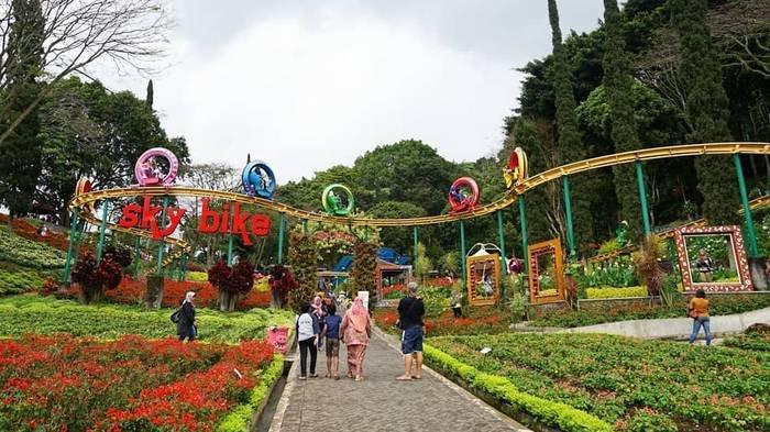 Harga Tiket Masuk Eco Green Park & Taman Rekreasi Selecta, Bisa Main Flying Fox hingga Naik Sky Bike