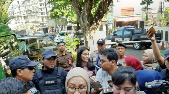 Sidang Putusan Ratna Sarumpaet, Ibu Atiqah Hasiholan Berharap Bebas: Tak Ada Fakta Aku Bersalah