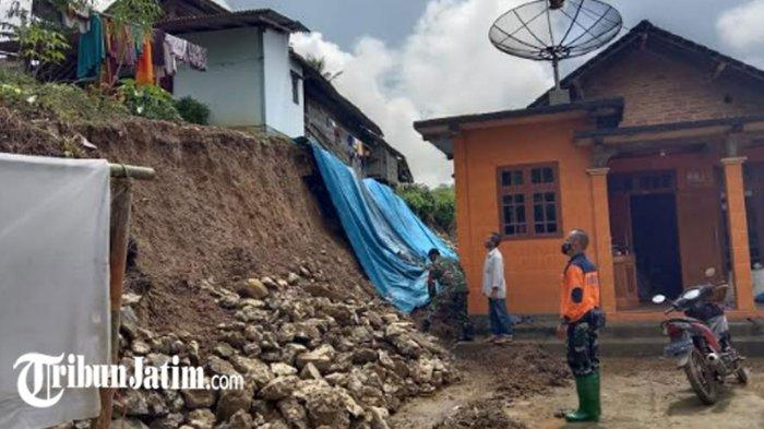 Tanah Longsor di 2 Lokasi Timpa 2 Rumah Warga Kabupaten Trenggalek, Kerugian Puluhan Juta Rupiah