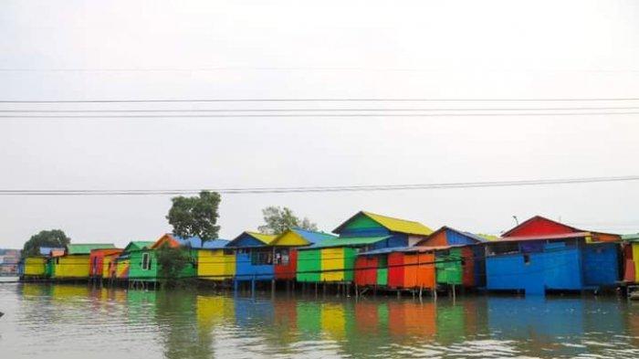 Menengok Ramainya Kampung Pelangi, Hilangkan Kesan Kumuh Wilayah Surabaya Utara