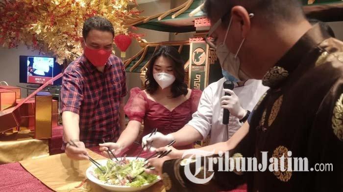 Tahun Kerbau Logam, Tang Palace Restaurant JW Marriott Surabaya Hadirkan Yee Shang Daging Wagyu