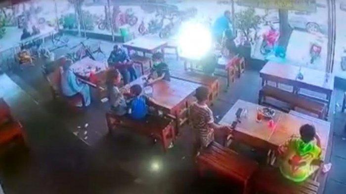 Bocah 9 Tahun Mencuri Handphone di Rumah Makan Sidoarjo, Terekam CCTV Mondar-mandir