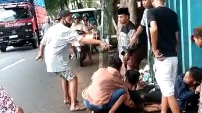 Viral Video Aksi Penusukan di Lumajang, Berawal Tuduhan Mencuri Sampai Penusukan di Pinggir Jalan