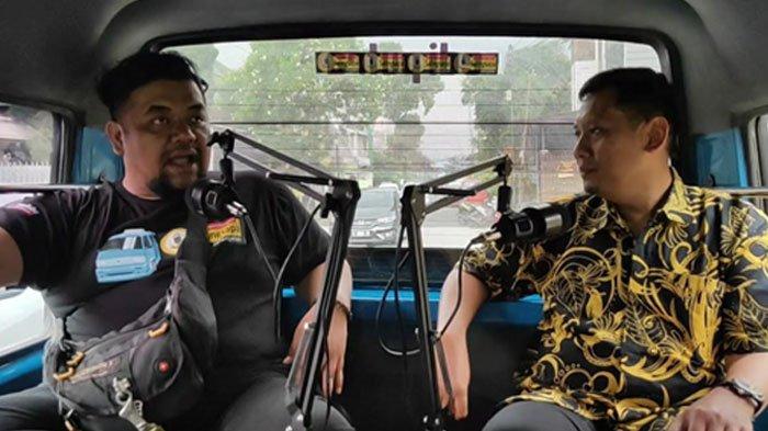 YouTuber Asal Kota Malang Sulap Angkot Jadi Studio Podcast 'Saling Sapa Jalan-Jalan'