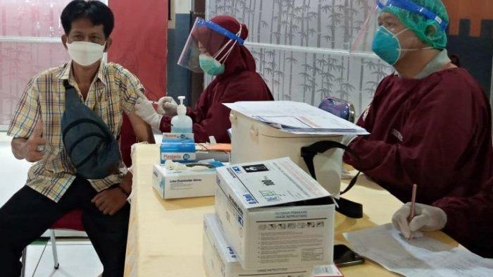 Sebanyak 650 Tenaga Kesehatan di Nganjuk Dapatkan Vaksin Covid-19 Dosis Ketiga