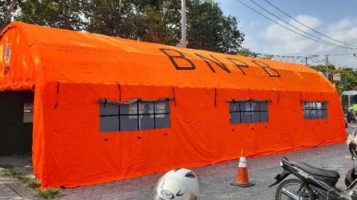 Ruang Tunggu IGD RSUD Dr Soedono Trenggalek Jadi Tempat Perawatan, Tenda Dibangun untuk Penunggu